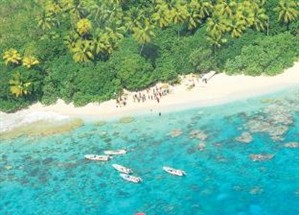 Salvos após quatro dias perdidos em ilha deserta