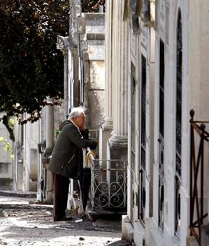 Turistas alemães seduzidos por cemitérios portugueses