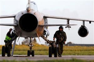 Caça lituano e Mirage francês colidem em voo