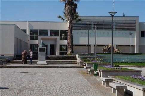Ameaça de bomba obriga à evacuação do edifício da conservatória e tribunal