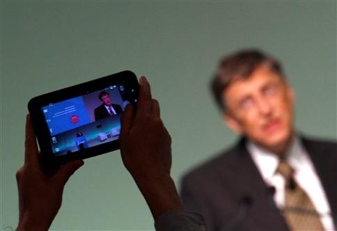 """Bill Gates defende """"revolução digital"""" na luta contra a fome"""