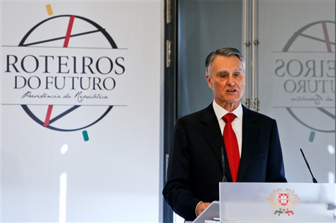 """Cavaco afasta novo resgate e defende que Portugal não deve utilizar a palavra """"negociação"""""""