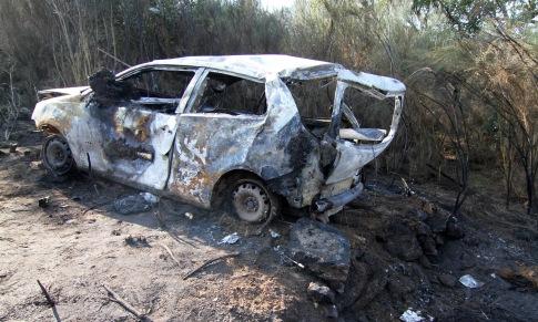 Condutor morre carbonizado após queda de carro em ribanceira