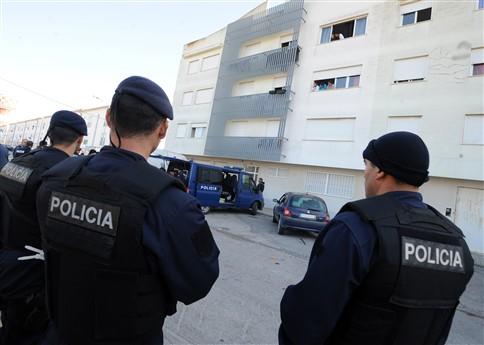 PSP apreende armas em operação num bairro do Montijo