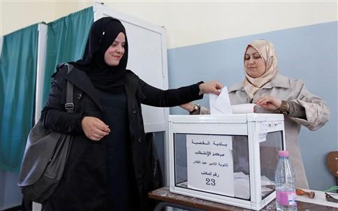 Quase 150 mulheres foram eleitas na Argélia