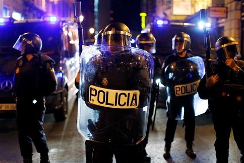 Sete detidos e vários feridos em novos confrontos em Madrid
