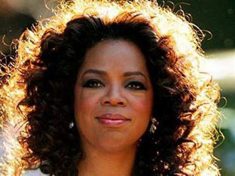 Oprah Winfrey contrata irmã de Michael Jackson