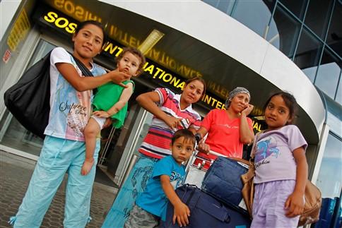 França insiste na deportação de imigrantes ilegais de etnia cigana