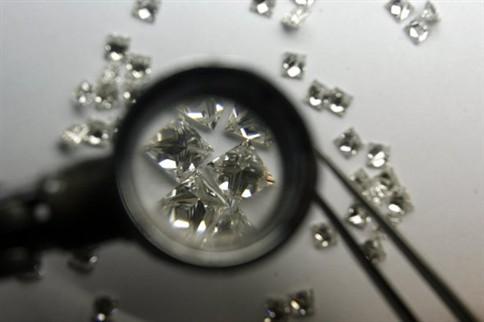 Queda de meteorito encheu cratera de diamantes