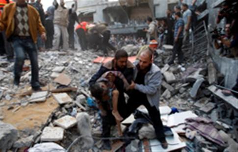Mais 12 palestinianos mortos este domingo em Gaza