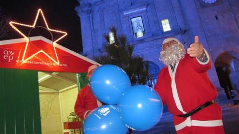 Desempregados fazem de Pai Natal a 43 cêntimos à hora