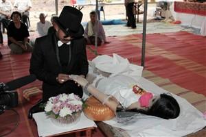 Homem casou com namorada morta na Tailândia
