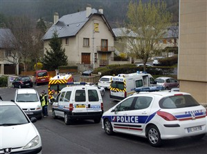 Jovens de 13 e 15 anos detidos após a morte de rapaz de nove anos