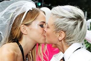 Homofóbicos escondem atração por pessoas do mesmo sexo