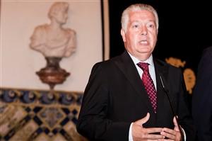"""""""A maioria dos empresários também não contrataria"""" António Borges"""