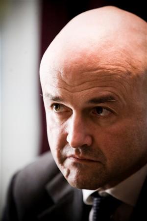 """""""Pedofilia é pior que o crime de fotocopiar"""", diz Gianluigi Nuzzi"""
