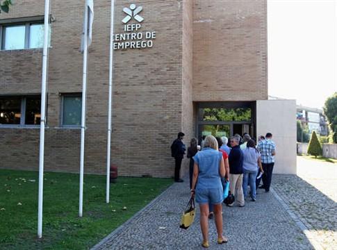 Economia portuguesa deve destruir cerca de 88 mil empregos este ano