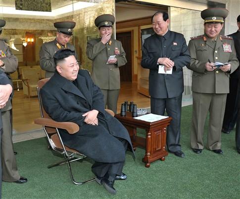 """Coreia do Norte ameaça com """"guerra sem quartel"""" contra EUA e Coreia"""