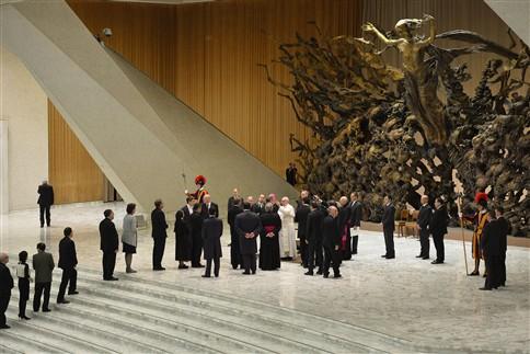 "Papa Francisco deseja ""Igreja pobre para os pobres"""