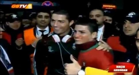 Cristiano Ronaldo conhece sósia turco