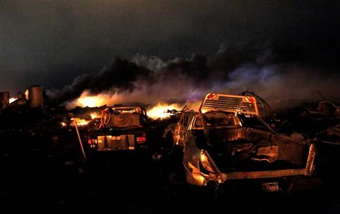 Explosão em fábrica no Texas faz entre cinco e 15 mortos e centenas de feridos