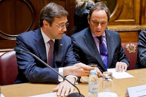 CDS-PP faz cedência nas pensões e mantém coligação do Governo