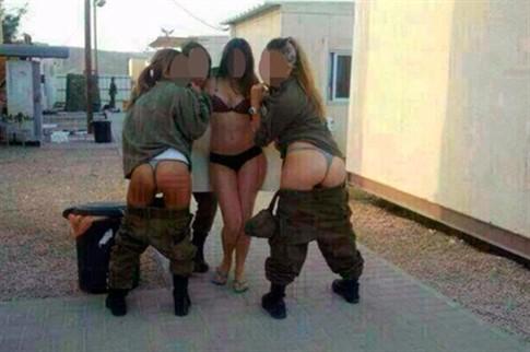Foto de soldados em roupa interior agita Israel e mundo árabe