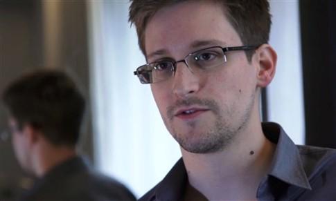 """Amnistia Internacional qualifica perseguição a Snowden como """"deplorável"""""""