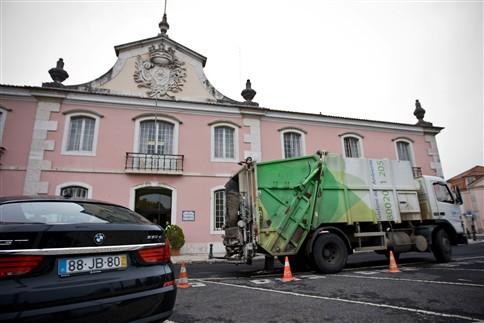Câmara de Oeiras reduz frota automóvel e poupa 600 mil euros