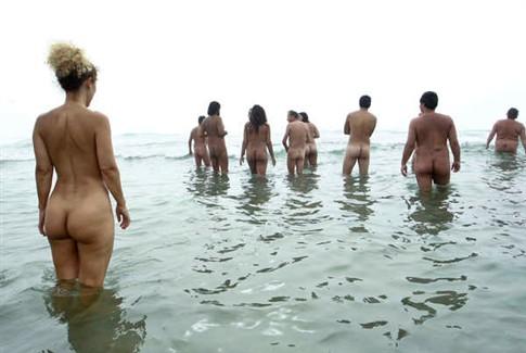 Nudismo ganha adeptos de norte a sul