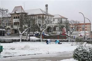 Cidade da Guarda coberta de neve