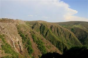 Pedras parideiras atraem milhares à serra da Freita