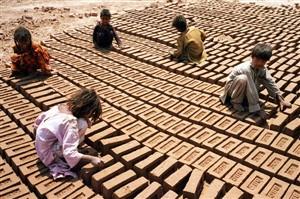 OIT denuncia 10,5 milhões de crianças próximas da escravatura