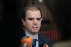 Três secretários de Estado vão sair do Governo