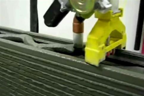 Impressora 3D gigante fabrica casa em 24 horas