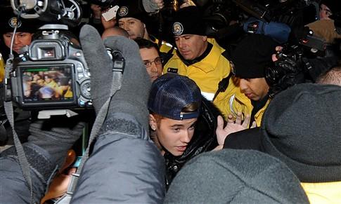 Justin Bieber acusado de agressão a motorista de limusina no Canadá