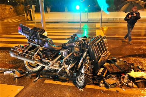 Motociclista morre em choque com Sapadores do Porto