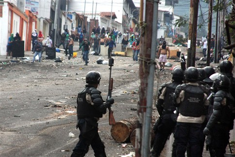 Sobe para 37 número de mortos nos protestos na Venezuela