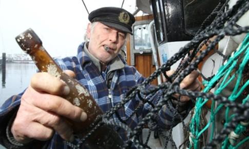 Mensagem com 101 anos encontrada por pescadores