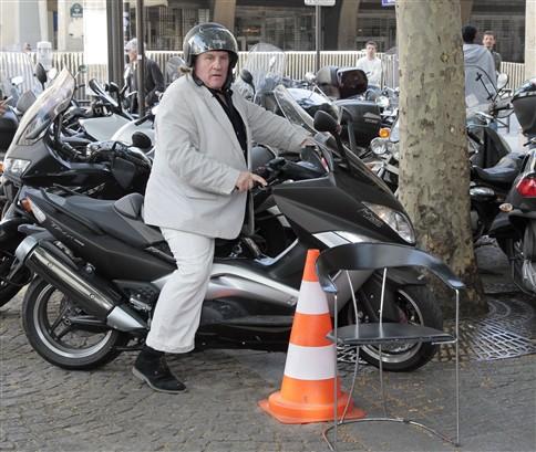 Depardieu condenado por conduzir alcoolizado