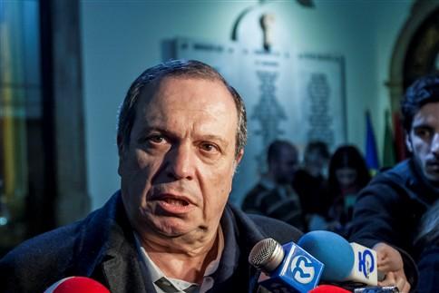 """Carlos César diz que eleitorado tem """"dúvidas significativas"""" sobre alternativa PS"""