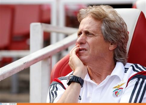 """""""Penso não perder mais nenhum jogador, senão também vou"""", diz Jorge Jesus"""
