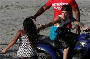 Casa Branca obrigada a analisar deportação de Bieber