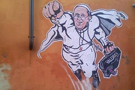 """Vaticano """"twita"""" imagem de papa Francisco em pose de Super Homem"""
