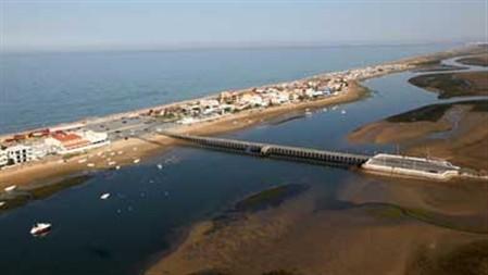 Demolições na ilha de Faro geram contestação