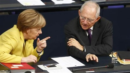 Ministro das Finanças alemão admite demitir-se por divergências com Merkel