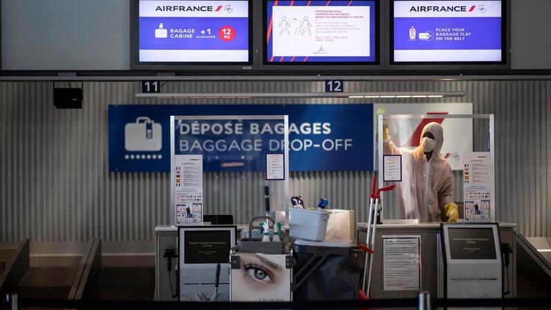 Crianças estão retidas no aeroporto Charles De Gaulle em Paris