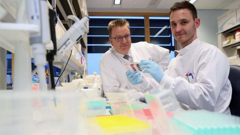 Andrew Sewwll lidera a equipa de cientistas, de que faz parte o investigador Garry Dolton