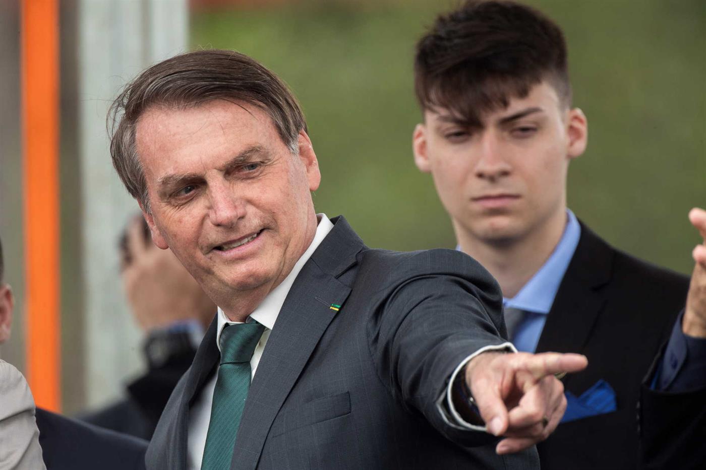 Depois do 01, do 02 e do 03, o Bolsonaro 04 já está na política - DN