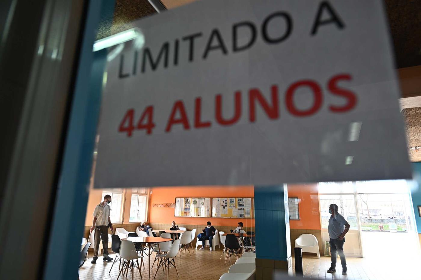Na escola EB 2/3 Cego do Maio a sala de convívio tem agora uma capacidade máxima de 44 alunos.